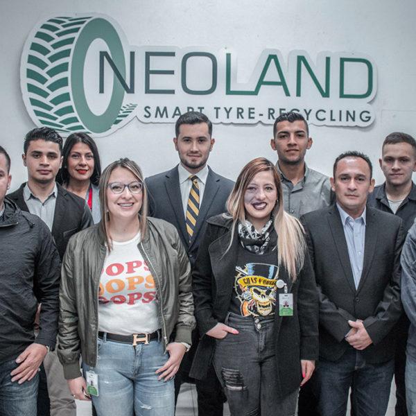 Personal-Neoland-empresa-seguridad-senalizacion-vial-productos-compromiso-ambiental-viales-topellantas-hitos-bogota-colombia