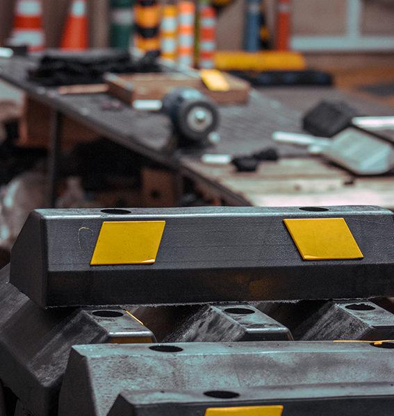 neoland-fabrica-industrial-productos-viales-caucho-llanta-topellanta-topellantasreciclado-reciclaje-inteligente-senalizacion-vial-empresa-bogota-colombia-logo-fotos